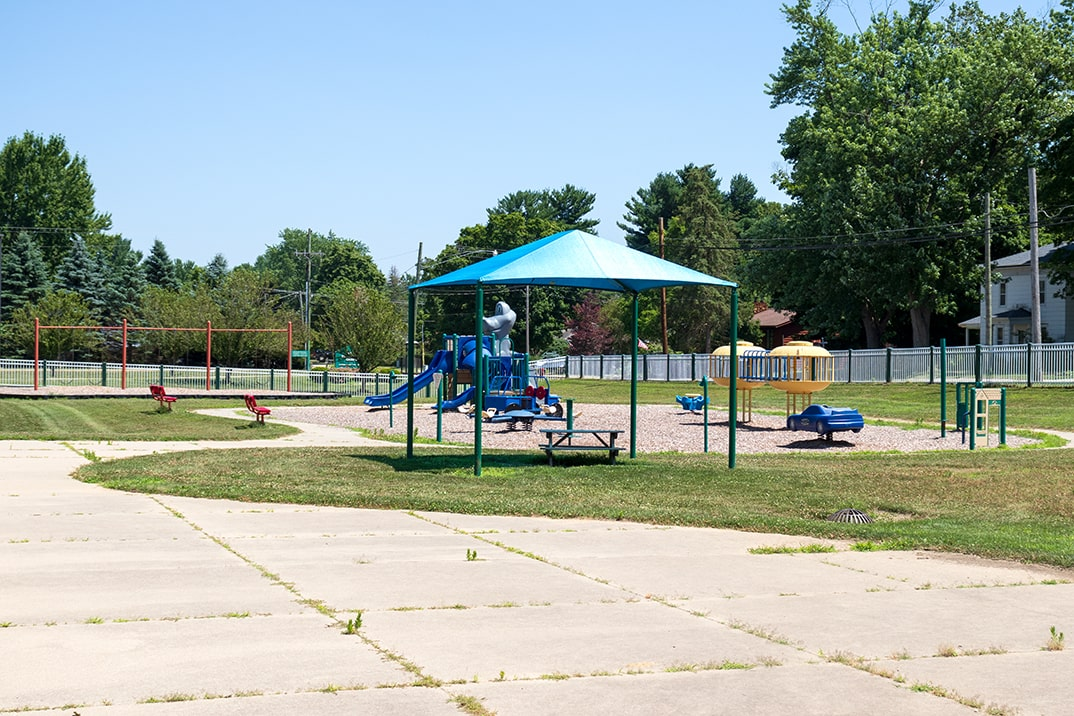 Click here to view a full size picture of Upper/Lower Elementary School Park, Paw Paw, Michigan.