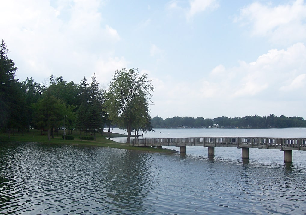 Click here to view a full size picture of Maple Lake and Rivers, Paw Paw, Michigan.