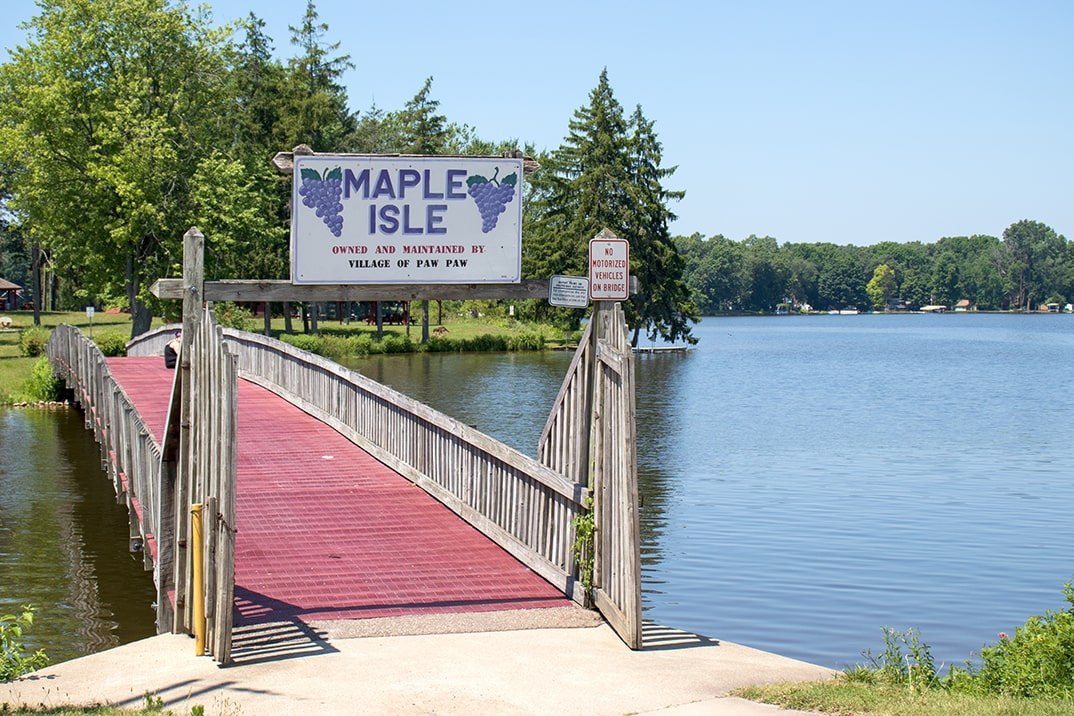 Click here to view a full size picture of Maple Lake/Maple Island, Paw Paw, Michigan.