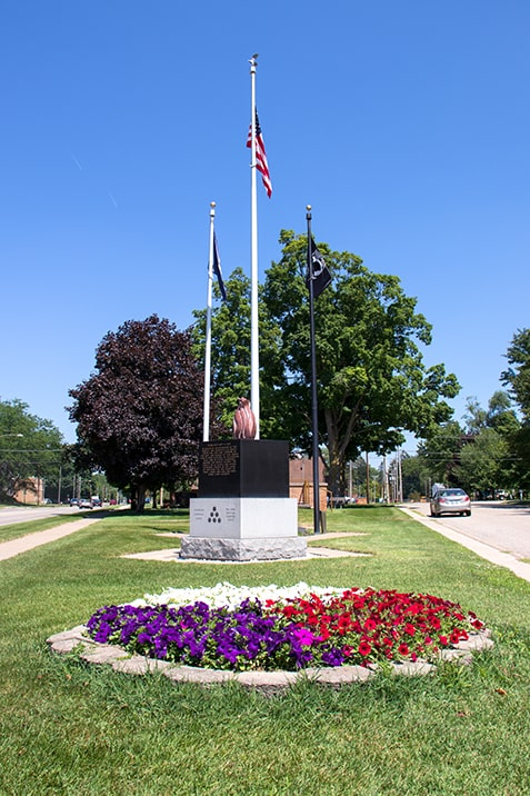 Click here to view a full size picture of Maple City Veteran's Memorial Park, Paw Paw, Michigan.